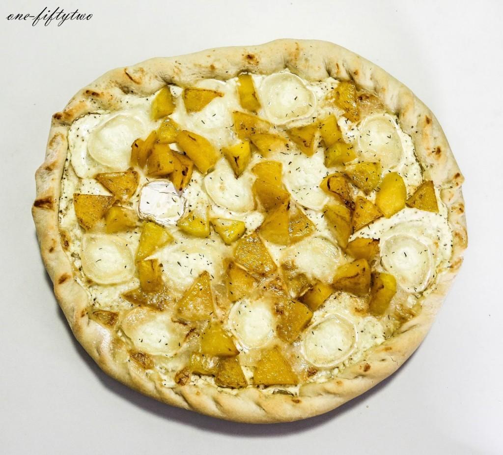 Rezept // Kürbis-Ziegenkäse-Flammkuchen