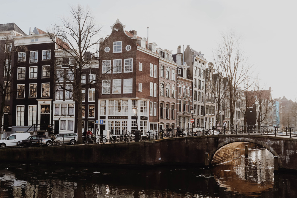 Amsterdam Guide – 8 Things To Do In Amsterdam